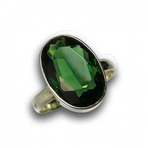Bague en pierre de quartz vert