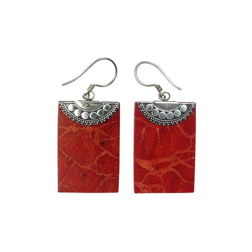 boucles d 39 oreilles argent et gorgone rouge. Black Bedroom Furniture Sets. Home Design Ideas