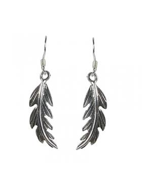 Boucles d'oreilles plume en argent.