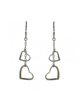 Boucles d'oreilles en coeur d'argent.